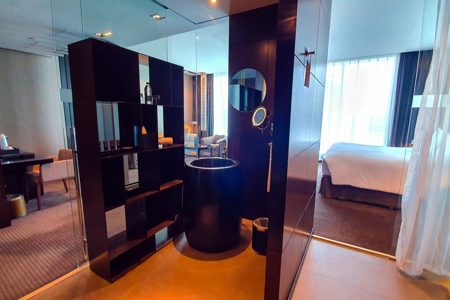 junior-suite-with-1-kingsize-bed
